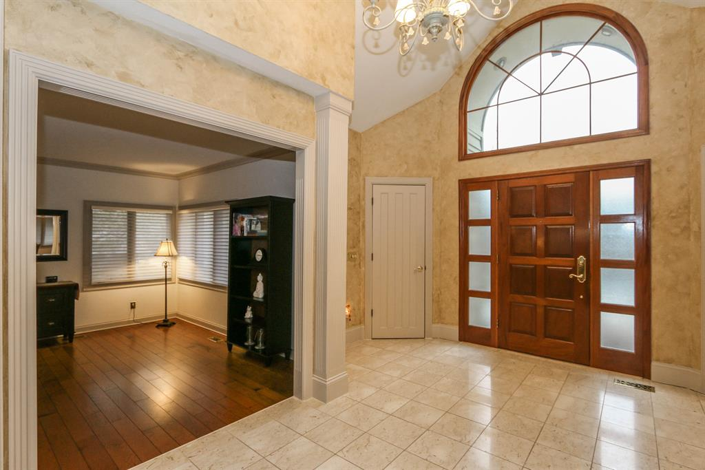Foyer for 1770 W Rahn Rd Washington Township, OH 45459