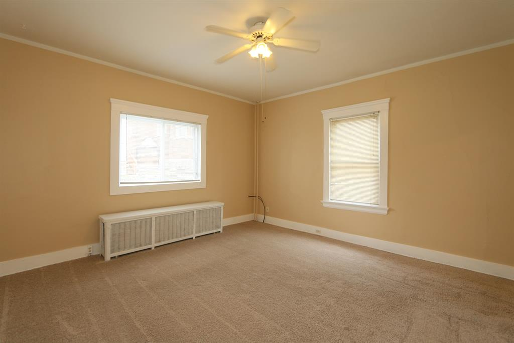 Living Room for 639 W 11th St Covington, KY 41011