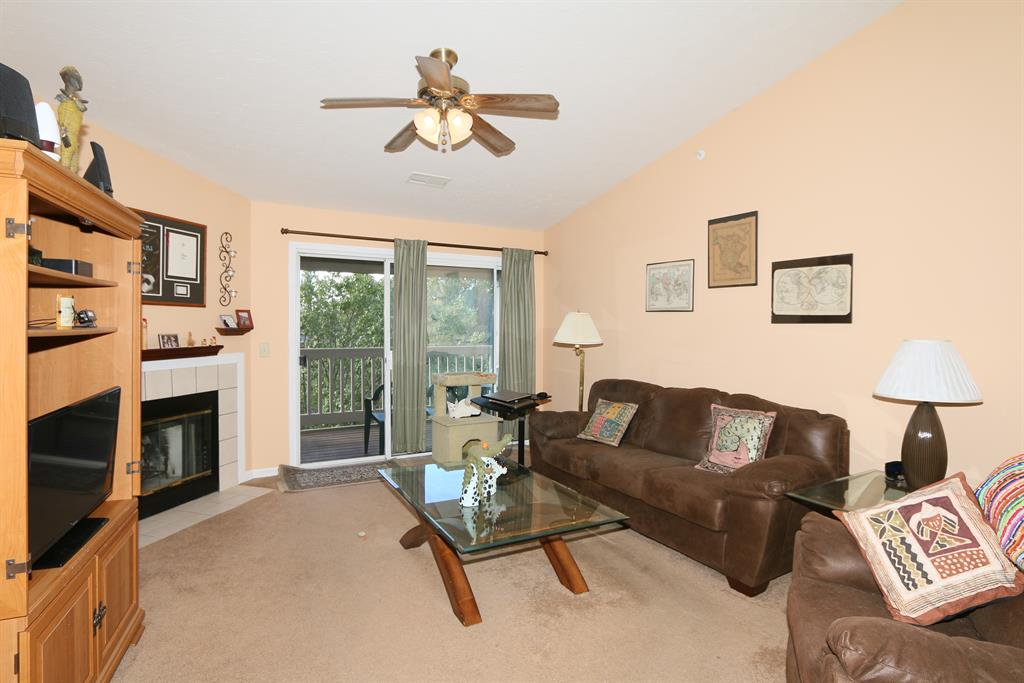 Living Room for 2316 Sawmill Ct, 309 Burlington, KY 41005