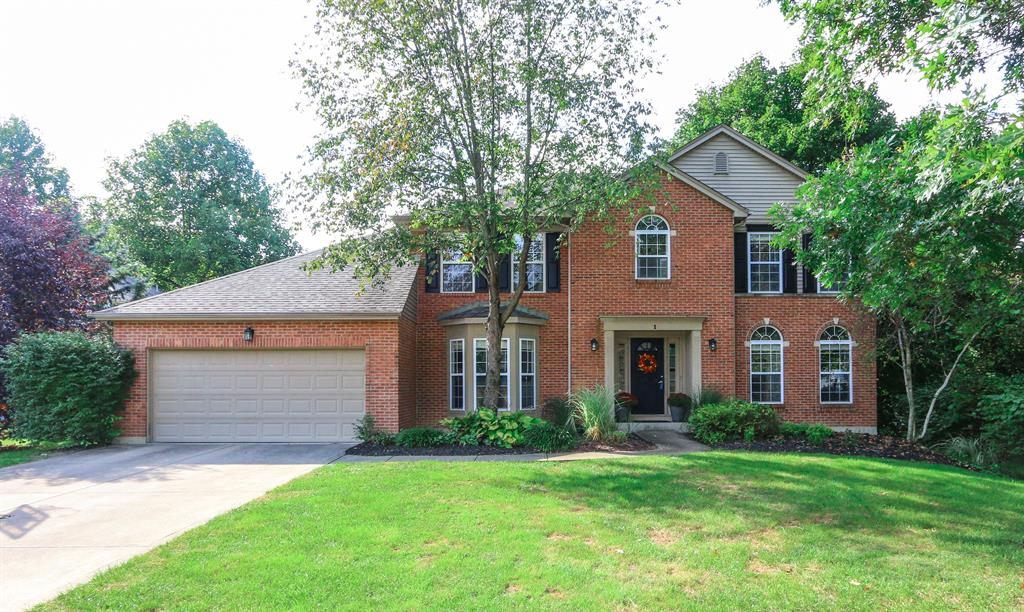 1 Glen Meadow Ct Glendale, OH