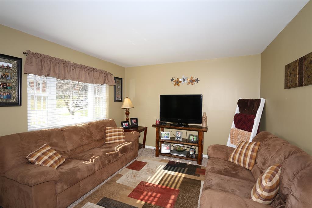 Living Room for 706 Monte Ln Covington, KY 41011