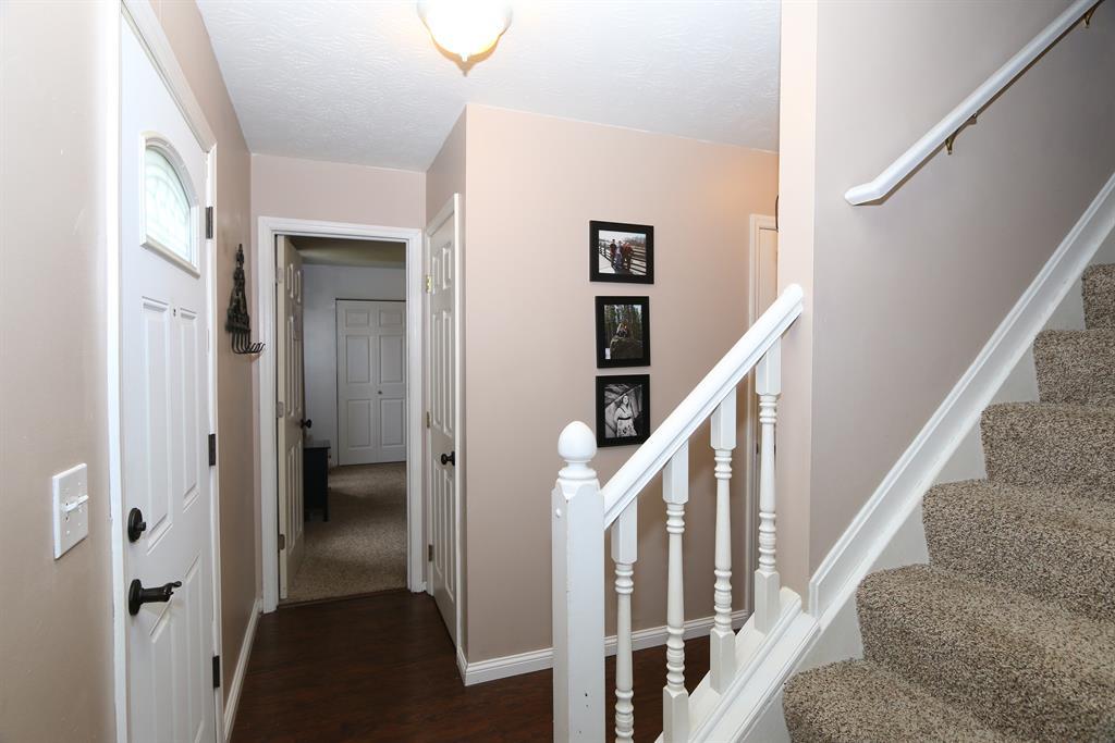 Foyer for 9937 Cobblestone Blvd Independence, KY 41051