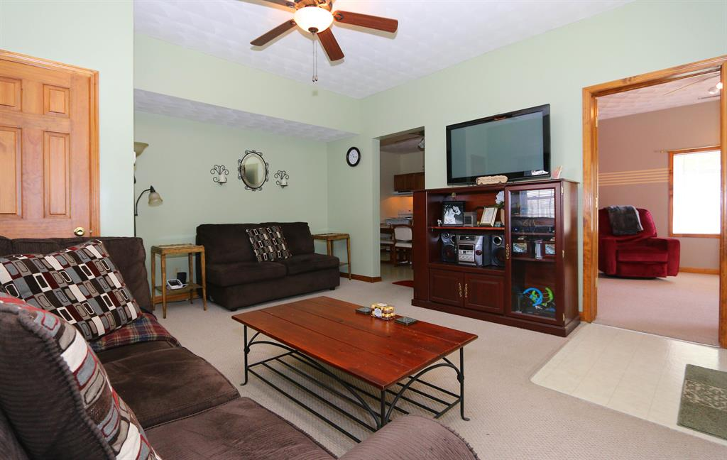 Living Room for 407 Dudley St Blanchester, OH 45107