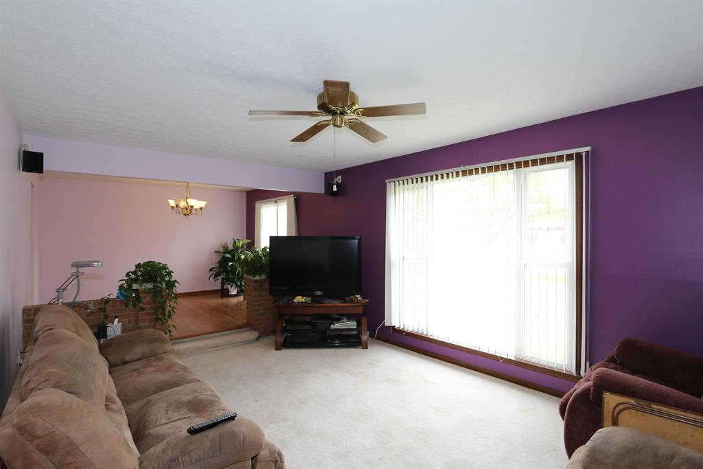 Living Room for 5574 Sir Lancelot Ln Fairfield, OH 45014