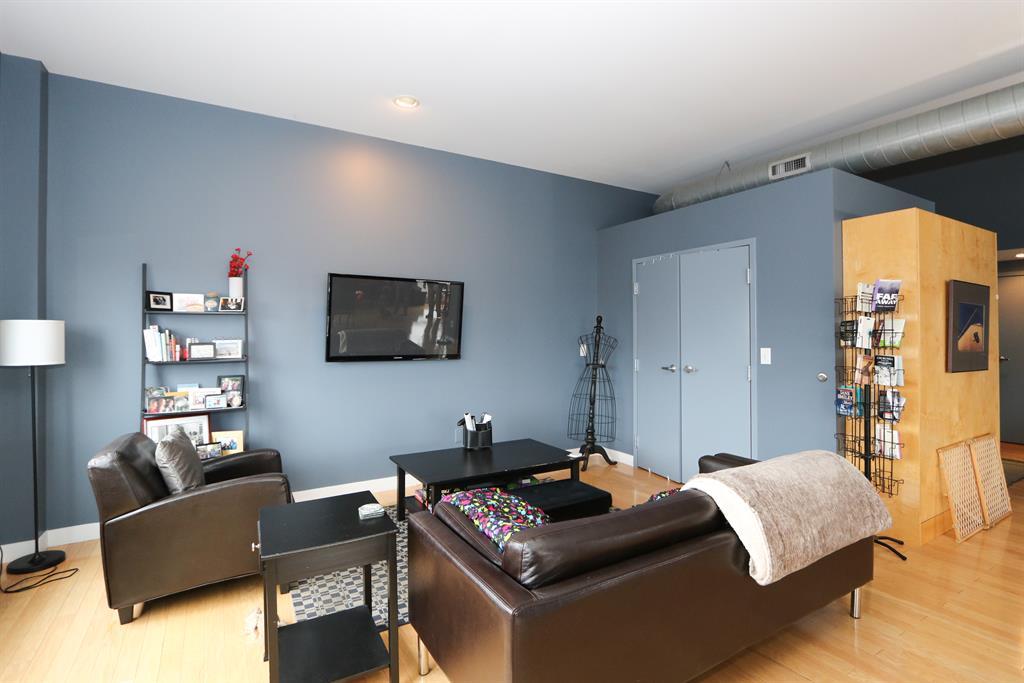 Living Room image 2 for 111 Harries St, 409 Dayton, OH 45402