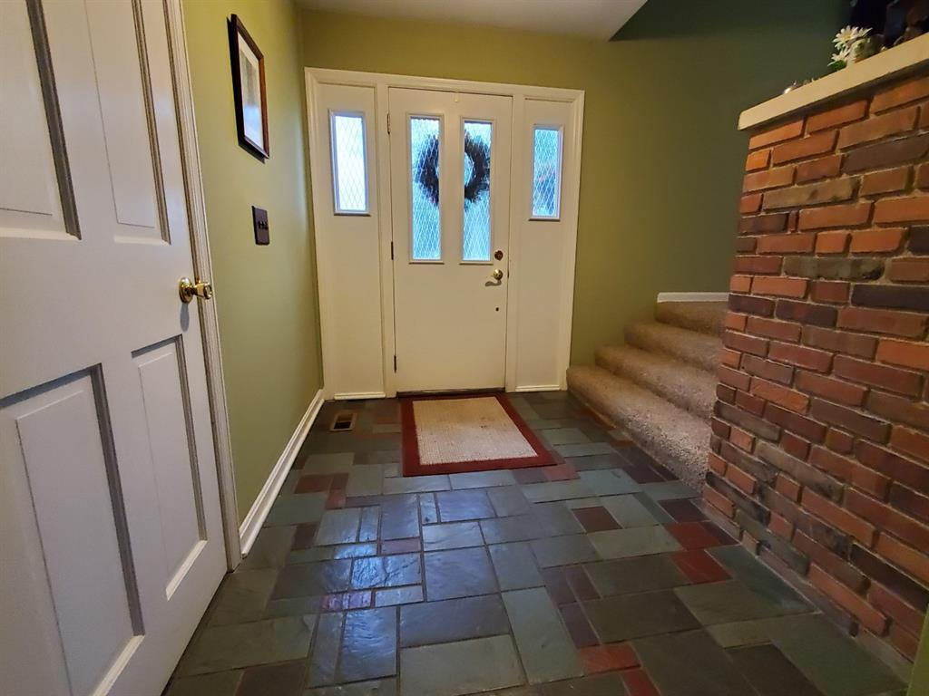 Entrance for 548 Charlberth Dr Hanover Twp, OH 45013