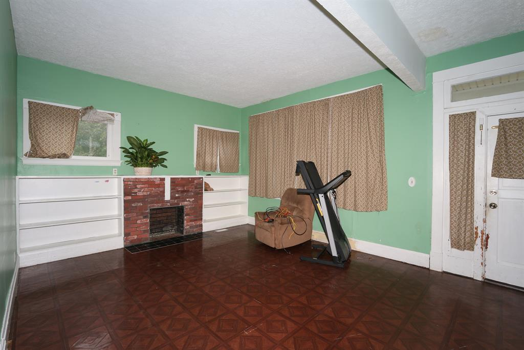 Living Room for 1109 Central Row Rd Elsmere, KY 41018