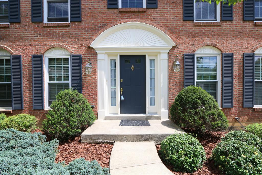 Entrance for 1992 Lakelyn Ct Crescent Springs, KY 41017