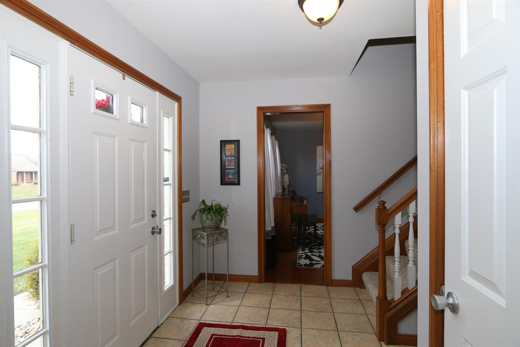 Foyer for 495 Yearling Ct Walton, KY 41094