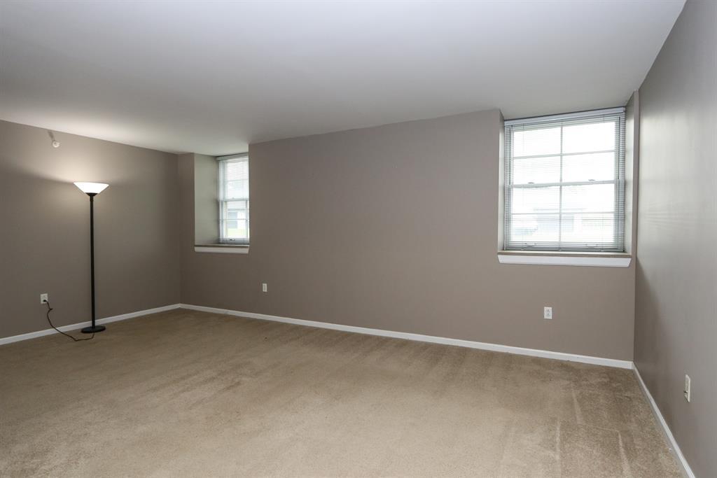 Living Room for 226 McDaniel St, 30 Dayton, OH 45405