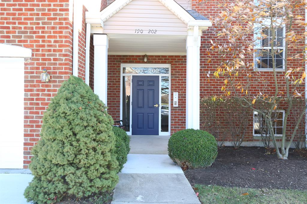 Entrance for 192 Langshire Ct Florence, KY 41042