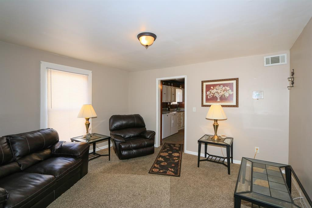 Living Room image 2 for 2535 Enid St Crescent Springs, KY 41017