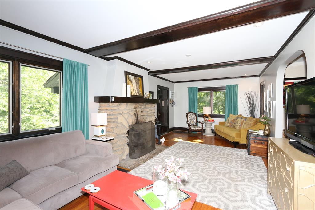 Living Room for 1049 Montague Rd Park Hills, KY 41011