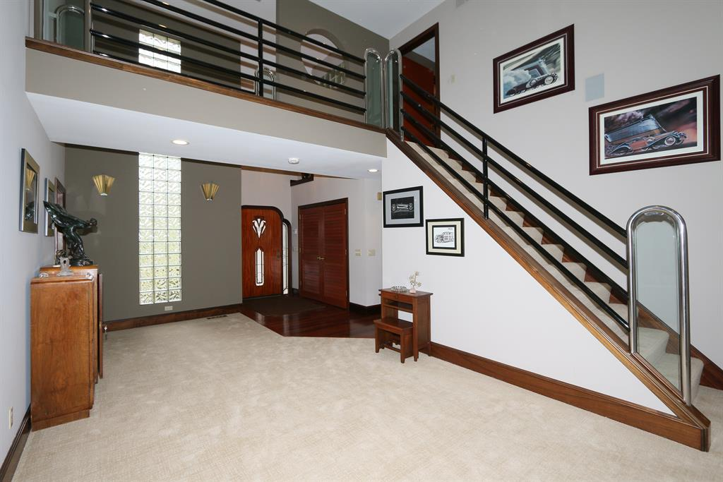 Foyer for 9812 Windsor Way Florence, KY 41042