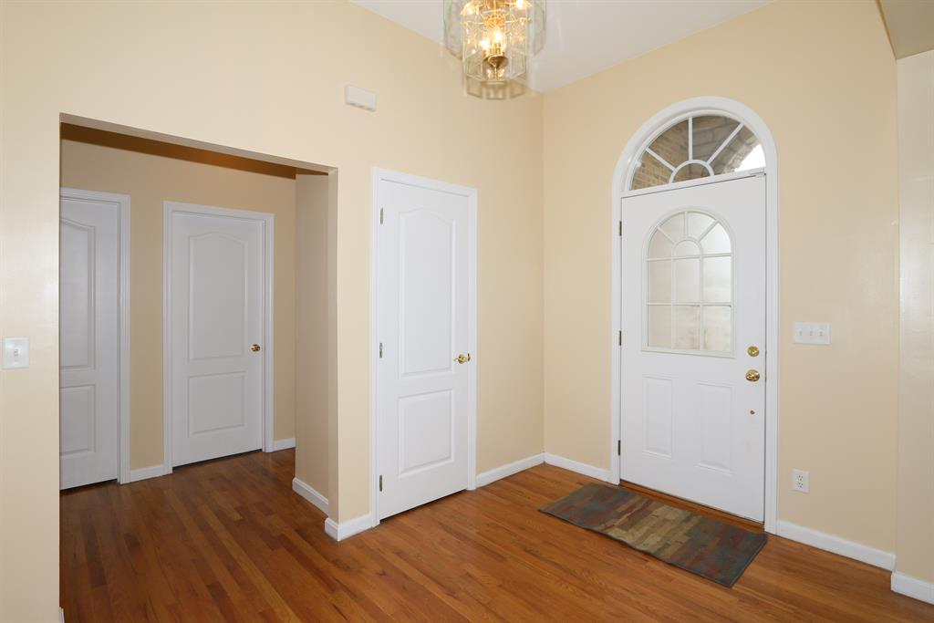 Foyer for 1306 Lafesgrove Ln Independence, KY 41051
