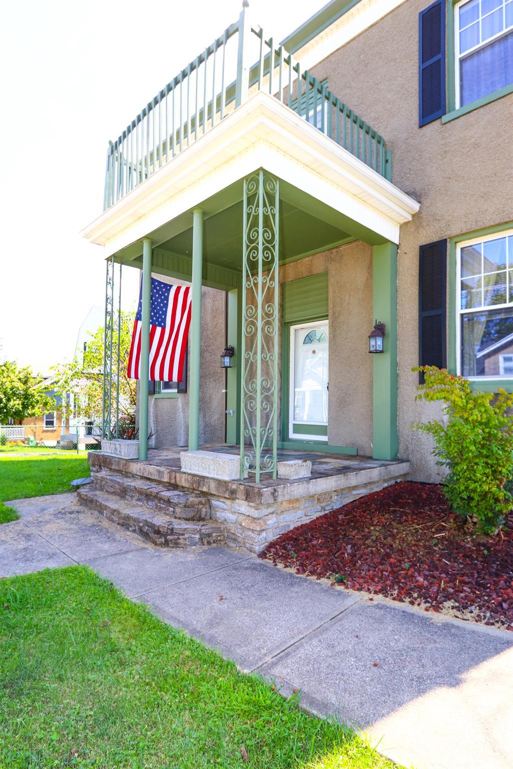 Entrance for 158 Kentucky Dr Newport, KY 41071