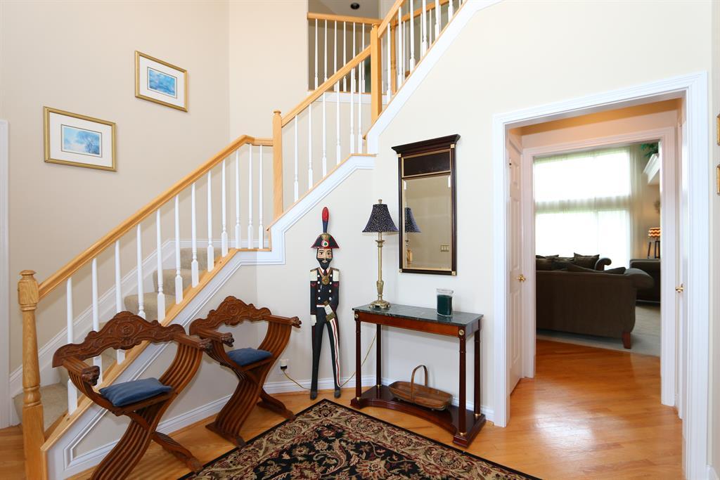 Foyer for 919 Appleblossom Dr Villa Hills, KY 41017