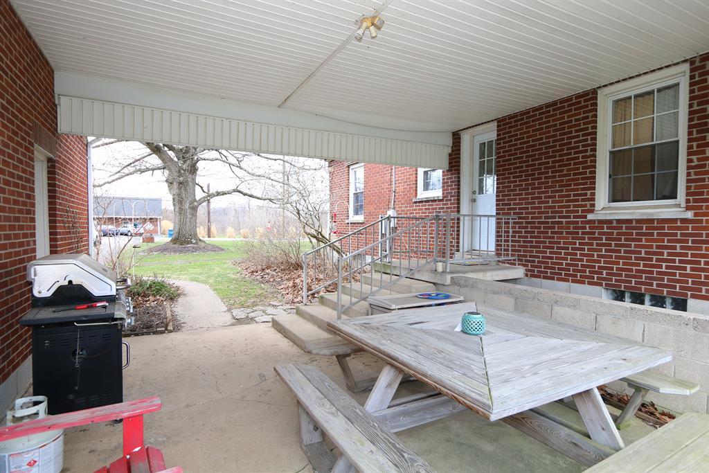 Patio for 556 Mason-Morrow-Millgrove Rd Union Township, OH 45065