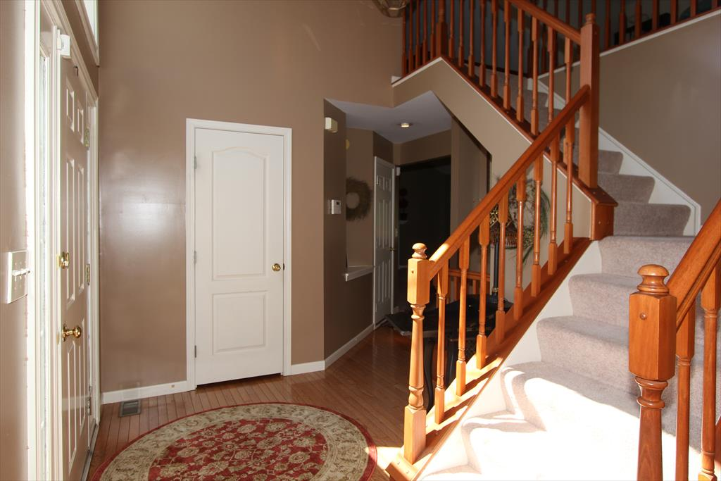 Foyer for 873 Havenwood Ct Crescent Springs, KY 41017