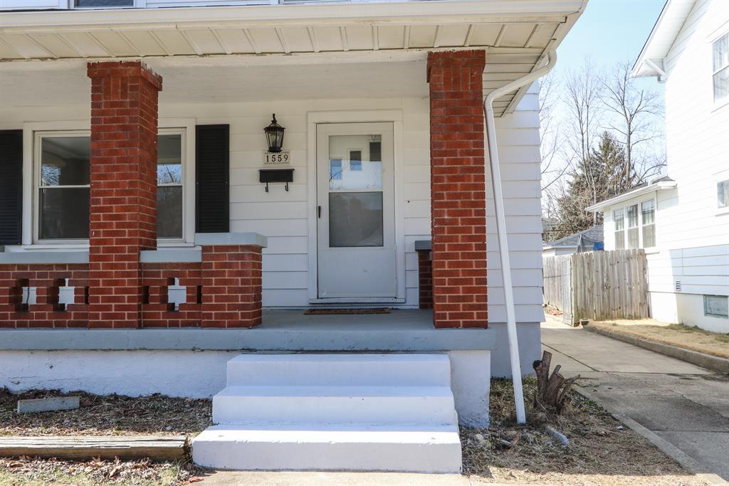 Entrance for 1559 Emmons Ave Dayton, OH 45410