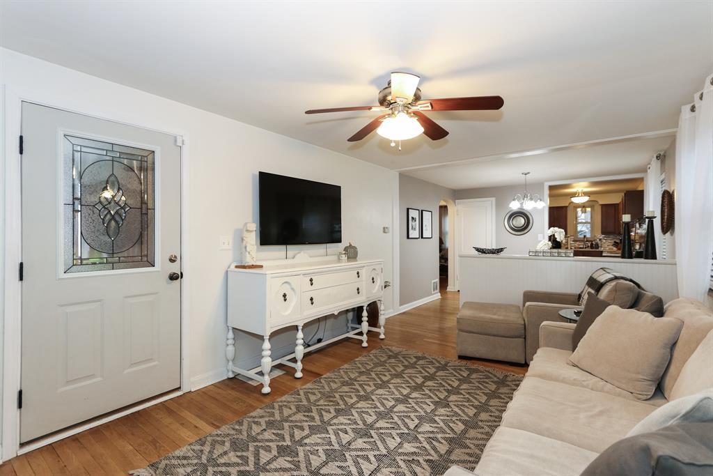 Living Room for 3714 Carlton St Fairfax, OH 45227