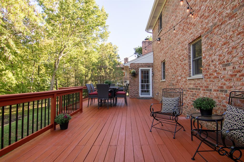 Deck 1 for 1924 Mount Vernon Dr Fort Wright, KY 41011