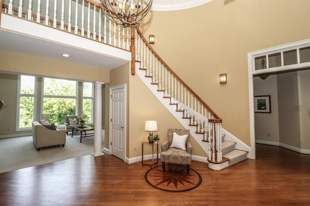 Foyer for 682 Canterbury Dr Edgewood, KY 41017