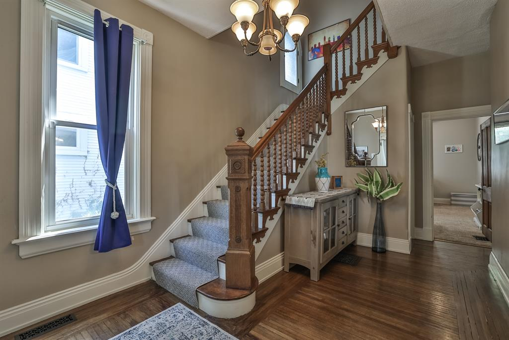 Foyer for 2319 Jefferson Avenue Norwood, OH 45212