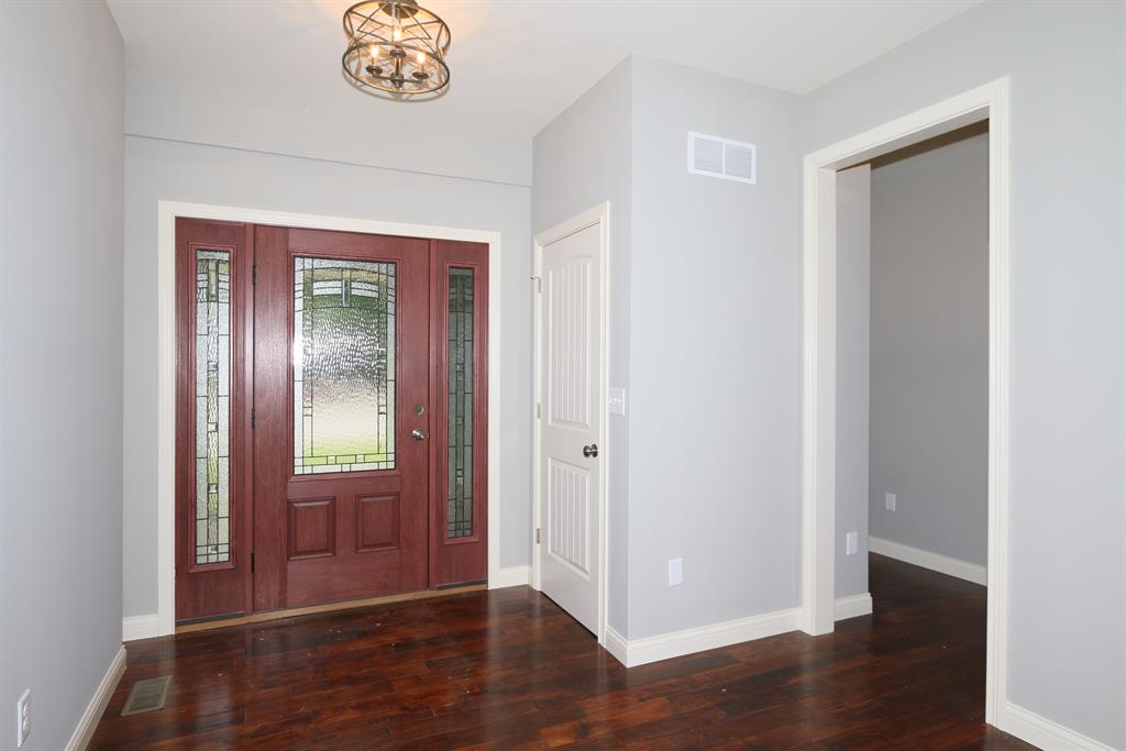 Foyer for 215 S Grand Ave Fort Thomas, KY 41075