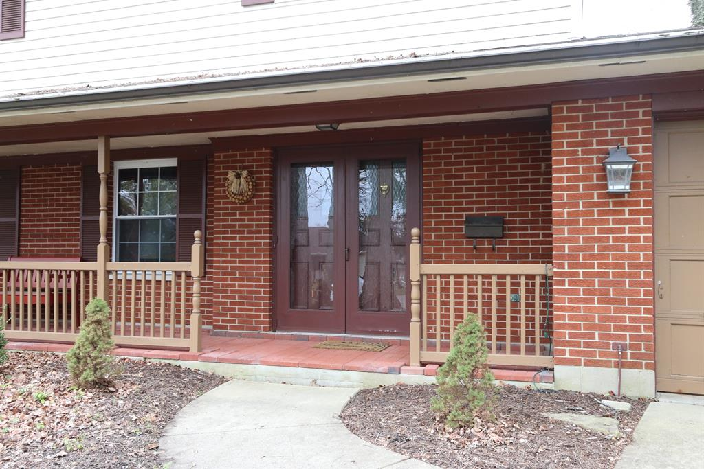 Entrance for 2525 Timber Oak Cir Kettering, OH 45440