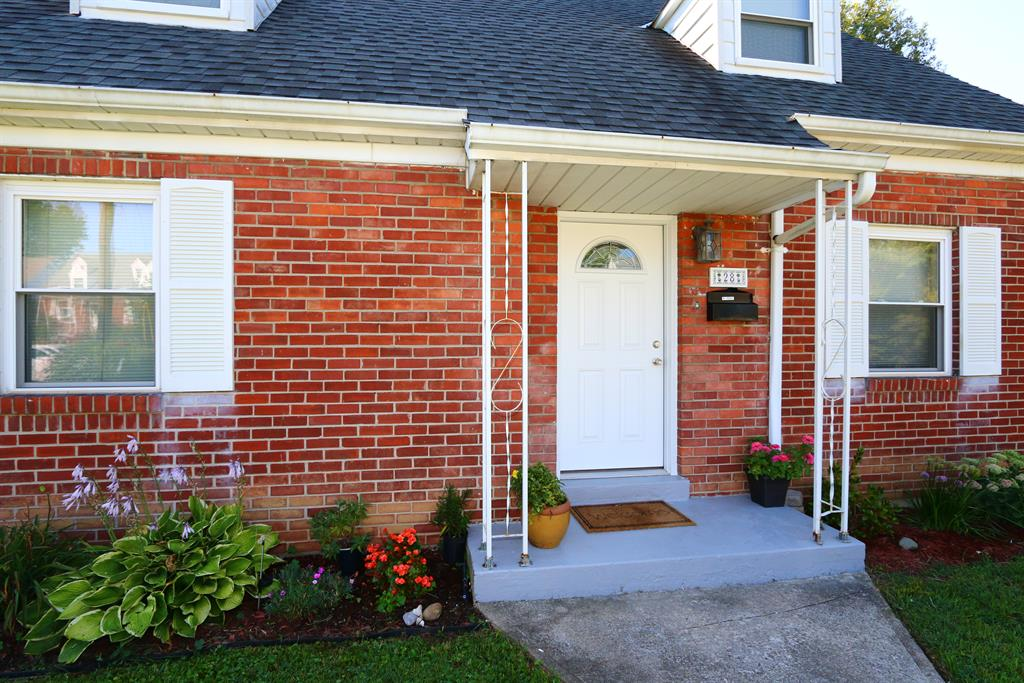 Entrance for 28 Terrace Ave Crestview, KY 41076
