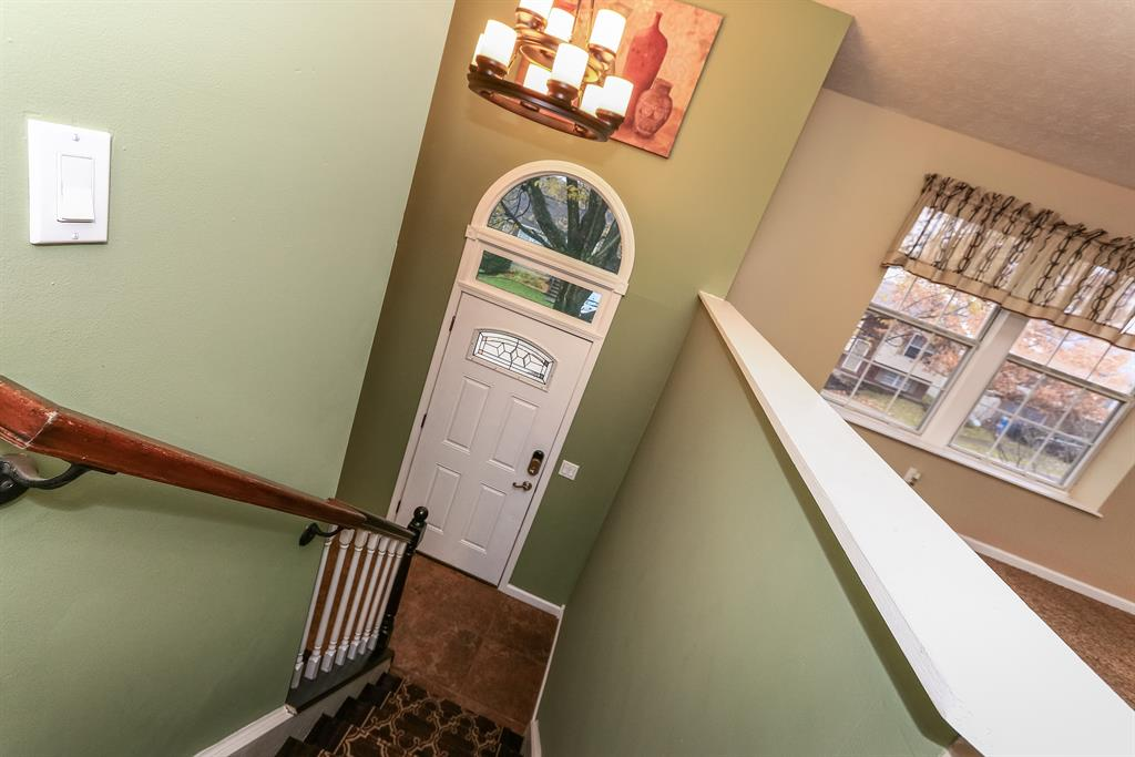 Foyer for 9104 Boots Dr Covington, KY 41017