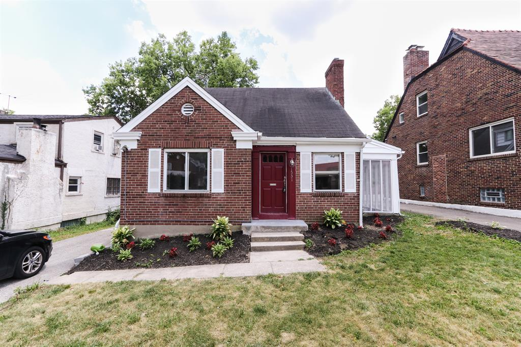 Exterior (Main) 2 for 1531 Robinwood Ave Roselawn, OH 45237