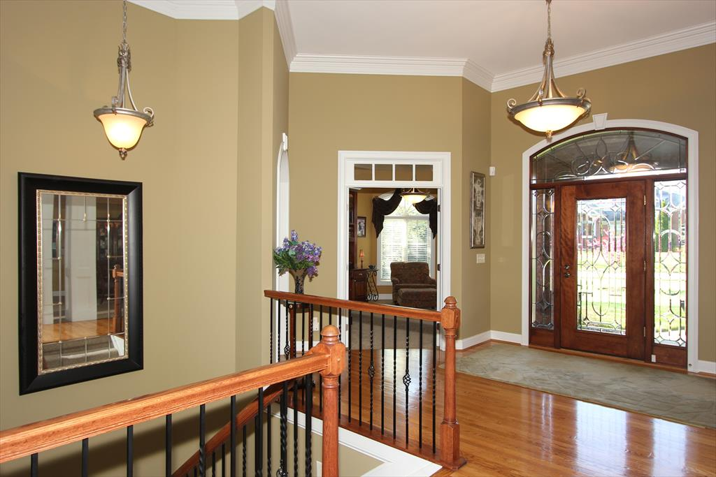 Foyer for 848 Pointe Dr Villa Hills, KY 41017