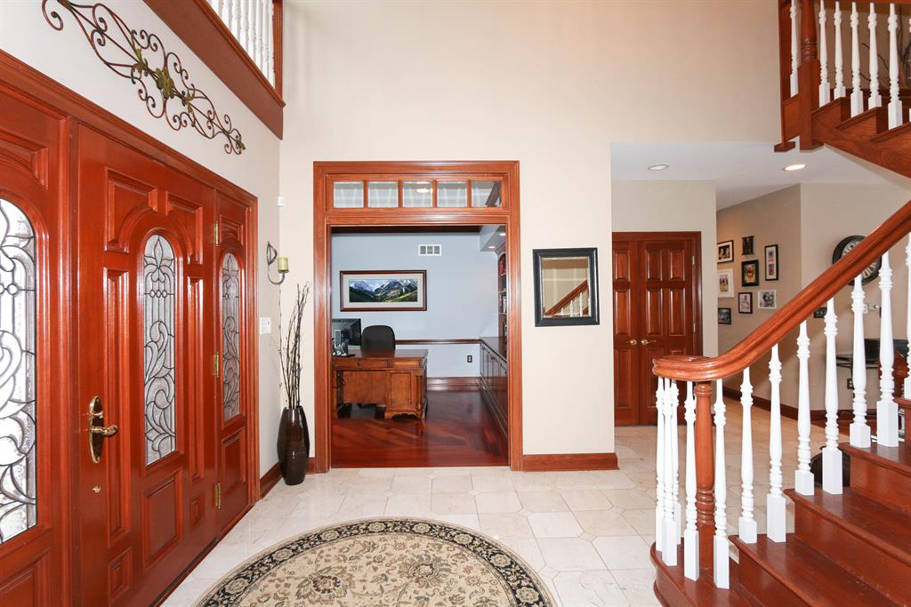 Foyer for 804 Englewood Ct Villa Hills, KY 41017