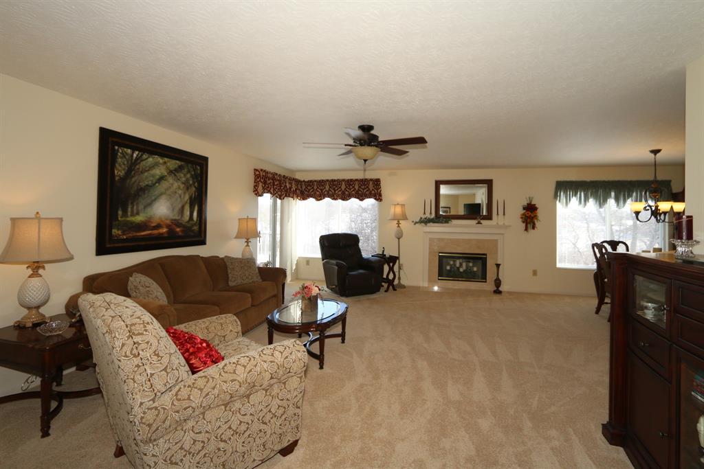 Living Room for 1468 Taramore Dr, 201 Florence, KY 41042