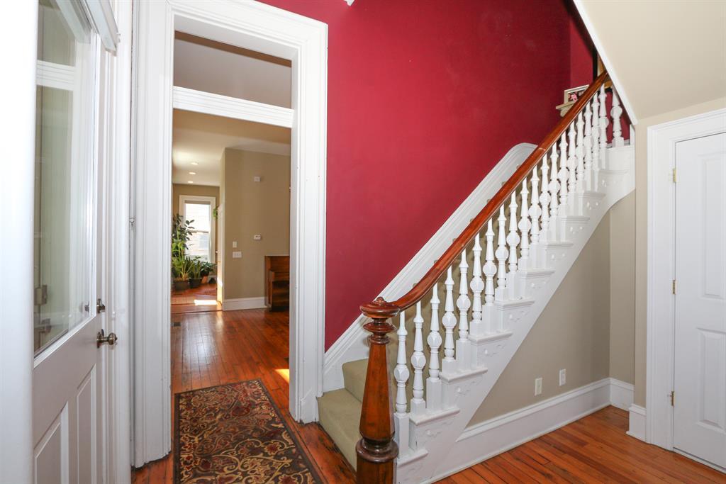 Foyer for 826 Overton St Newport, KY 41071