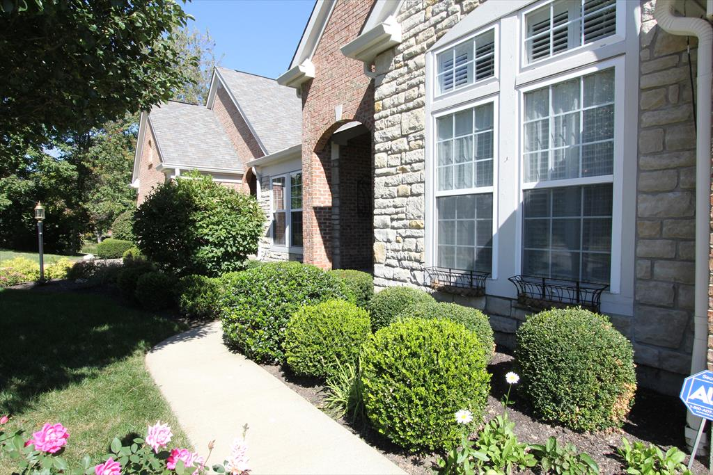 Entrance for 6528 Balcomie Ct Florence, KY 41042