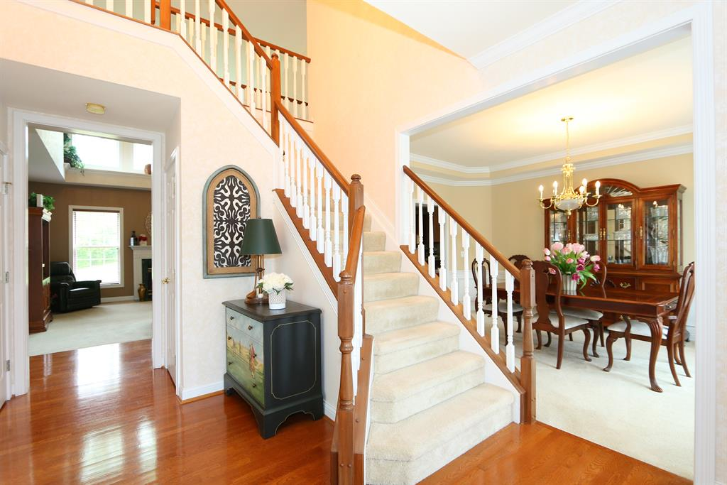 Foyer for 502 Savannah Dr Walton, KY 41094