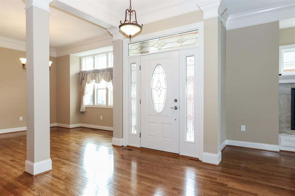 Foyer for 9 Vintage Wlk Montgomery, OH 45249