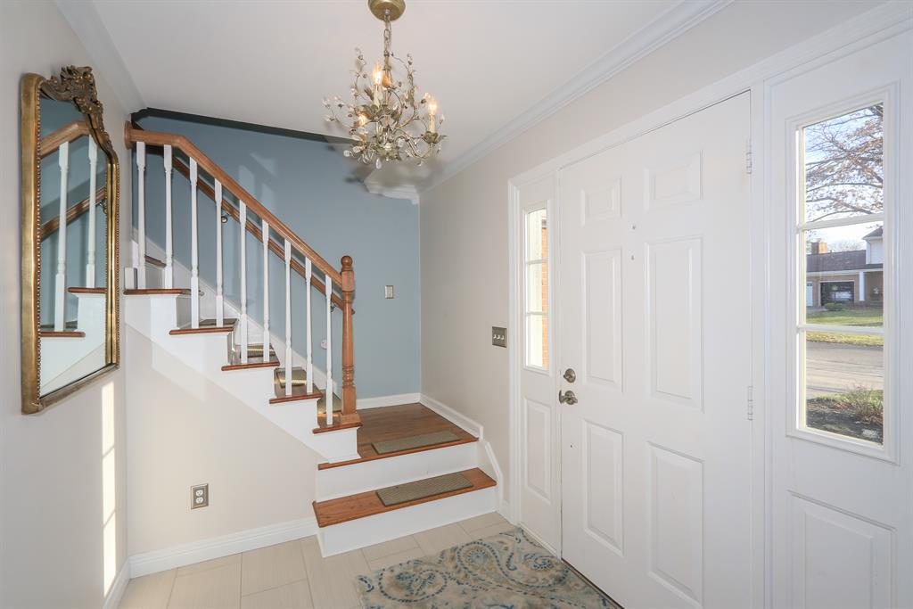 Foyer for 7550 Quailhollow Rd Kenwood, OH 45243