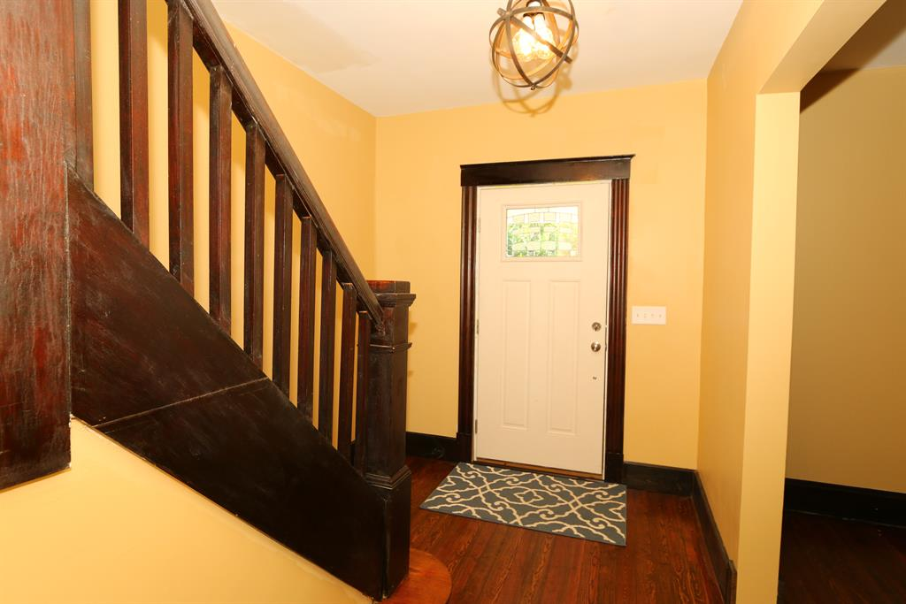 Foyer for 3171 Clifford Ave Covington, KY 41015