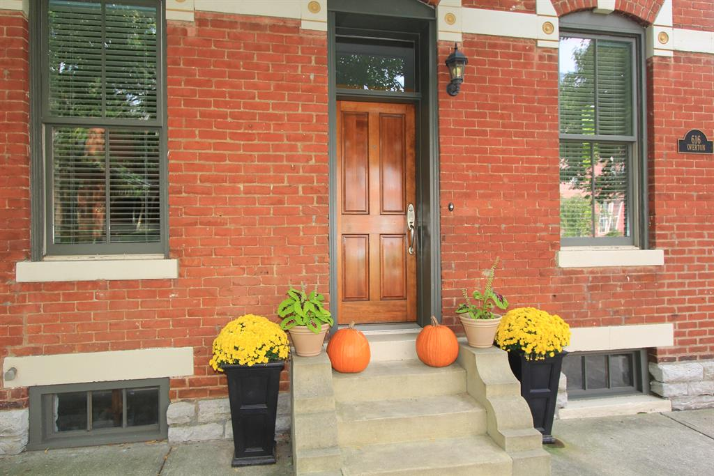 Entrance for 616 Overton St Newport, KY 41071