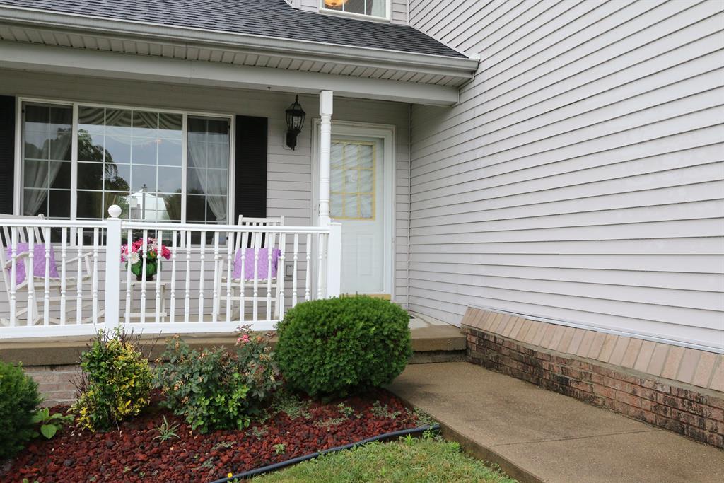 Entrance for 2325 Cedarwood Dr Maysville, KY 41056