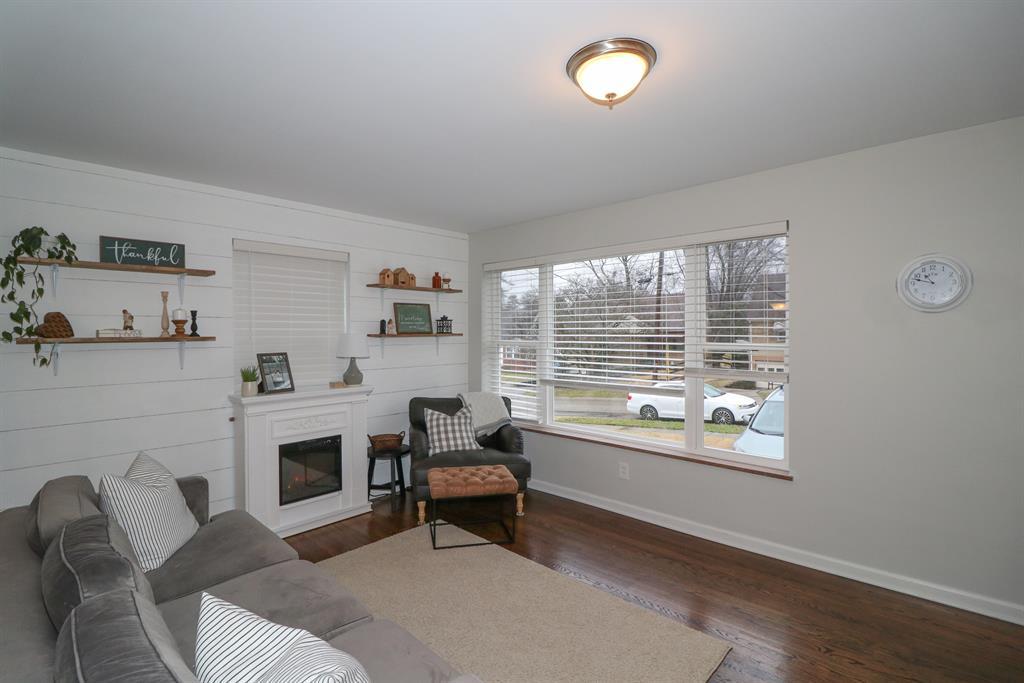 Living Room image 2 for 319 Glenroy Ave Delhi Twp., OH 45238