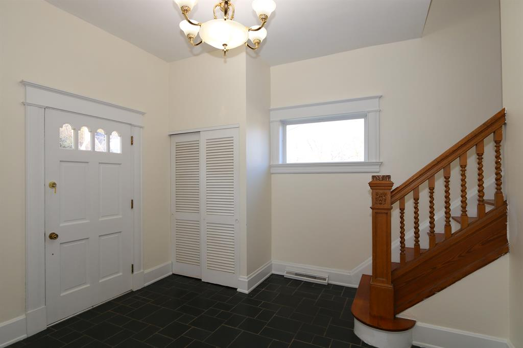 Foyer for 1606 Monroe St Covington, KY 41014