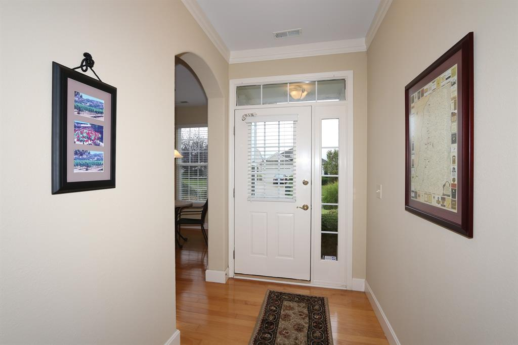 Foyer for 2750 Saint Charles Cir Union, KY 41091