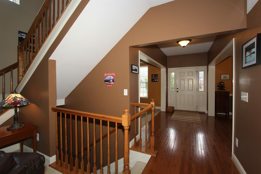 Foyer for 1542 Crosswinds Dr Independence, KY 41051