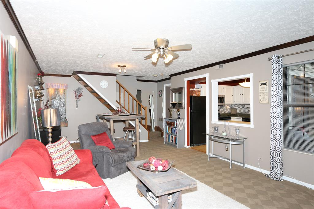 Living Room for 288 Secretariat Ct Crestview Hills, KY 41017