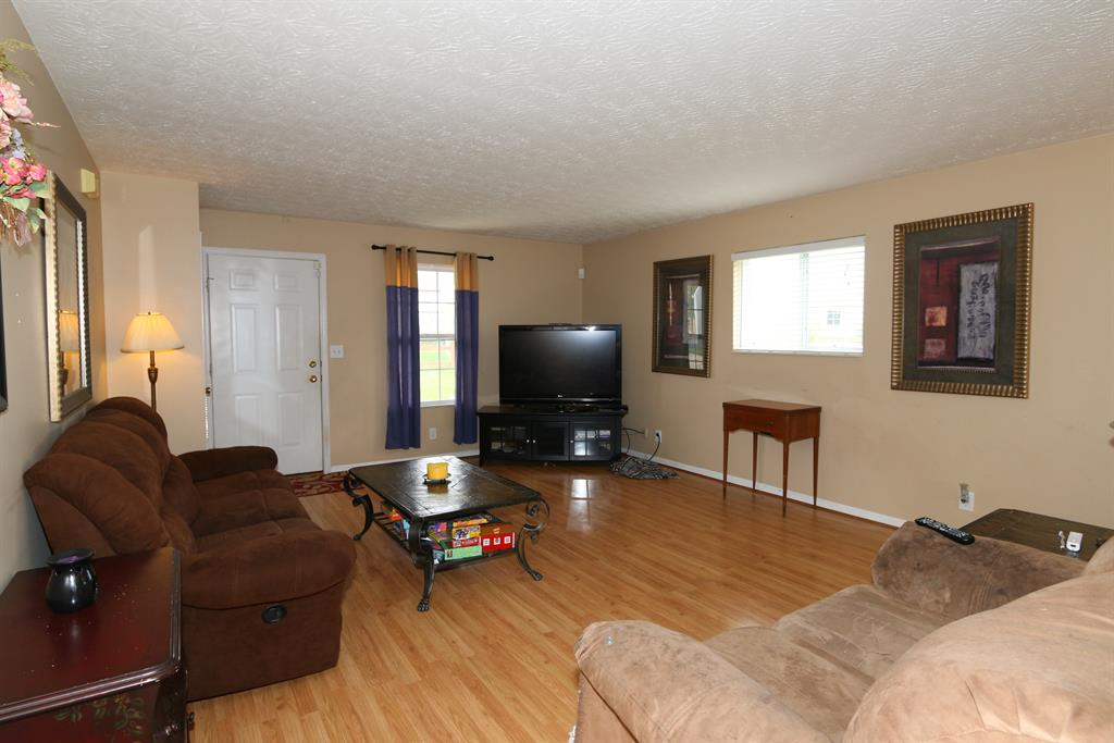 Living Room for 1290 Harbor Ct Independence, KY 41051